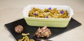 Caserecce alghe kelp e curcuma in salsa topinambur